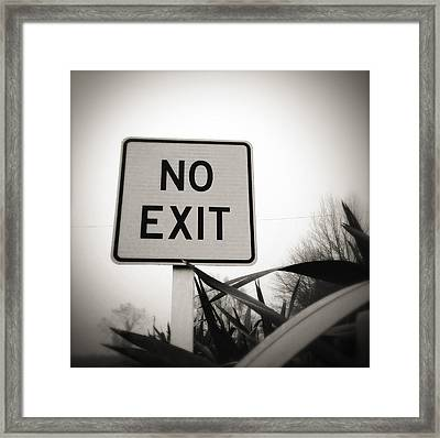 No Exit Framed Print by Les Cunliffe