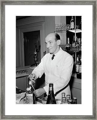 Nyc Charlie's Tavern, C1947 Framed Print by Granger