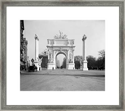 Nyc, Madison Square, Dewey Arch Framed Print by Science Source