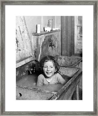 Nyc Tenement Life, C1900 Framed Print