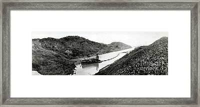 Panama Canal Construction, 1910 Framed Print by Photo Researchers