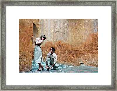 Rene Russo And A Male Model In Arequipa Framed Print