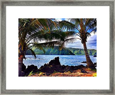 Road To Hana Framed Print by Jeff Klingler