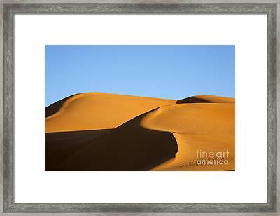 Sand Dunes Of The Sahara Desert Framed Print by Robert Preston