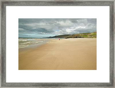 Sandwood Bay In Sutherland Framed Print by Ashley Cooper