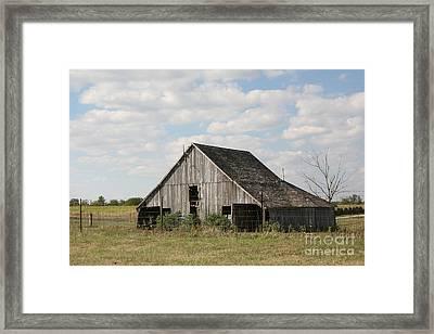 Scenic Barn Framed Print