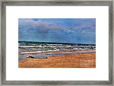 Sea Sand Wc Framed Print by Ken Williams