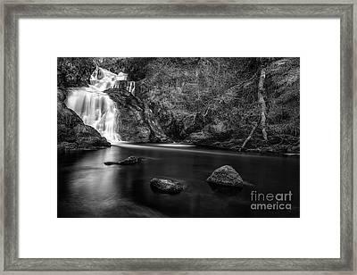 Spectacle E'e Waterfall Framed Print by John Farnan