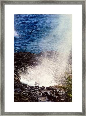 Framed Print featuring the photograph Spouting Horn by Alohi Fujimoto