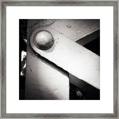 Steel Girder Framed Print by Les Cunliffe