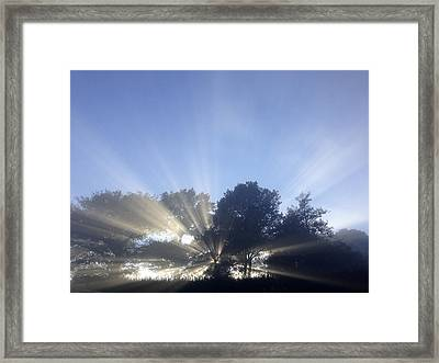 Sun Rays Framed Print by Les Cunliffe