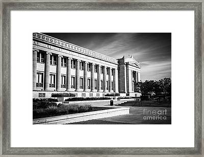 The Field Museum In Chicago In Black And White Framed Print by Paul Velgos