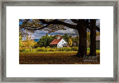 The Pillsbury Barn. Framed Print by New England Photography