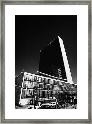 The United Nations Building Not In Session New York City Framed Print by Joe Fox