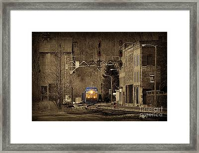 Train At Thurmond Wv Framed Print by Dan Friend