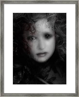 Utolso Lehelete Framed Print by David Fox