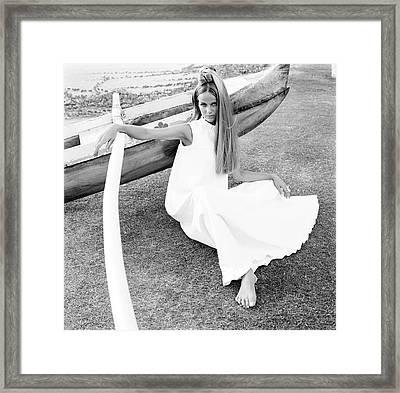 Veruschka Wearing A Malia Hawaii Dress Framed Print by Franco Rubartelli