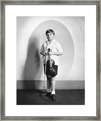 Violinist Yehudi Menuhin Framed Print by Underwood Archives
