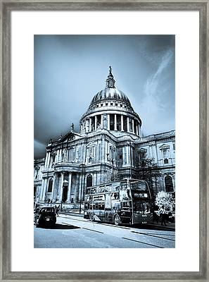 St Paul's Cathedral London Art Framed Print by David Pyatt