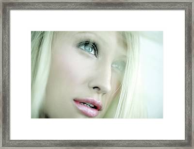 Woman's Face Framed Print by Ian Hooton/science Photo Library