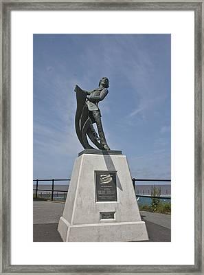 Rnli Memorial Statue Framed Print