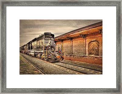 Locomotive 1637 Norfork Southern Framed Print by Reid Callaway