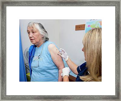 Seasonal Flu Vaccine Framed Print by Dr P. Marazzi/science Photo Library