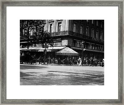 1920s Cafe De La Paix In The Grand Framed Print