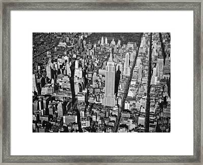 1934 Aerial View Of Manhattan Framed Print by Underwood Archives