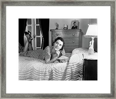 1940s Fully Dressed Smiling Woman Framed Print