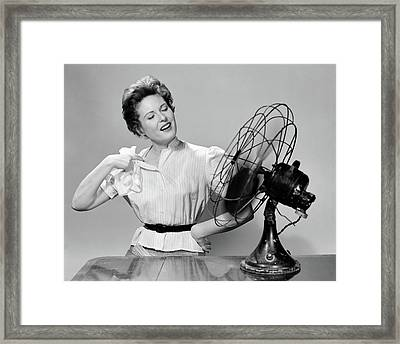 1950s Woman Cooling With Swivel Fan Framed Print