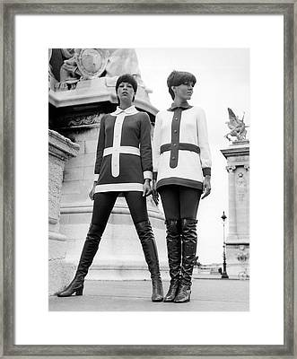 1960s Hip Fashion Framed Print by Underwood Archives