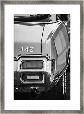 1971 Oldsmobile 442 Convertible Taillight Emblem -1683bw Framed Print