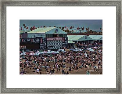 Beach People Framed Print