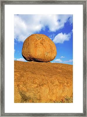 Devil's Marbles Framed Print by Bildagentur-online/mcphoto-schulz