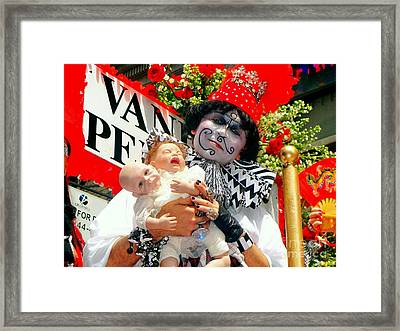 Framed Print featuring the photograph 2 Heads Are Better Than One by Ed Weidman