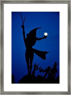 Framed Print featuring the photograph Mooncatcher by Ricardo J Ruiz de Porras