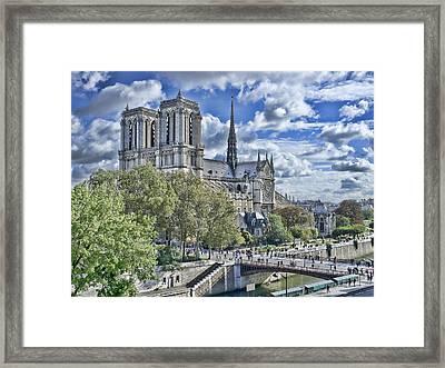 Notre Dame Framed Print by Hugh Smith