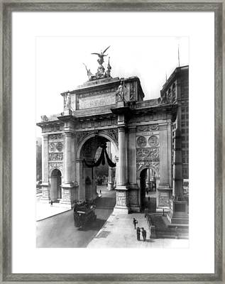 Nyc, Wwi Victory Arch At Madison Framed Print