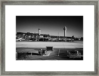 O'hare International Airport Chicago Illinois Usa Framed Print by Joe Fox