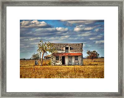 Framed Print featuring the photograph Old Home by Savannah Gibbs