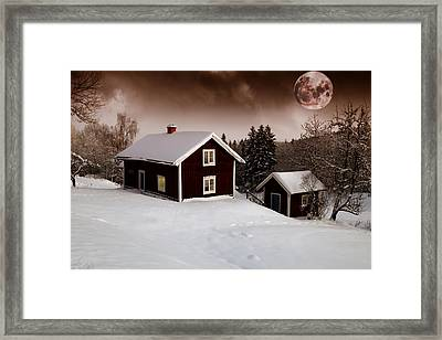 Red Moon Rise Framed Print