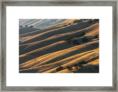 Round Valley Ridges Framed Print
