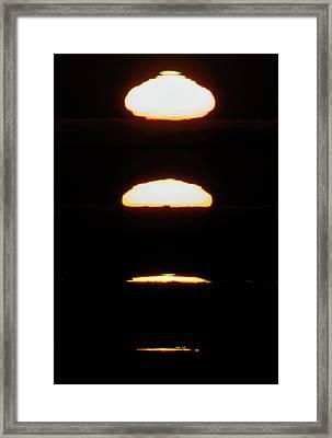 Setting Sun Framed Print by Babak Tafreshi