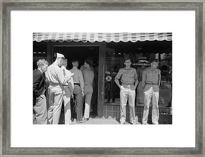 Soldiers From Fort Benning At The Bus Framed Print