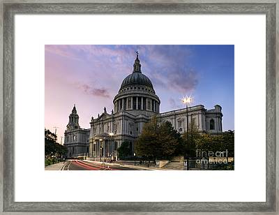 St Paul's London Framed Print by Rod McLean