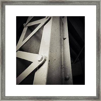 Steel Girder Framed Print by Les Cunliffe