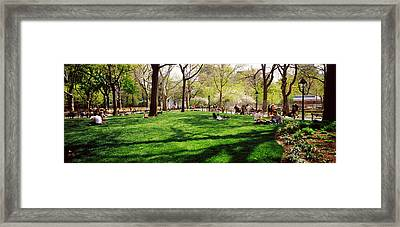 Tourists In A Park, Washington Square Framed Print