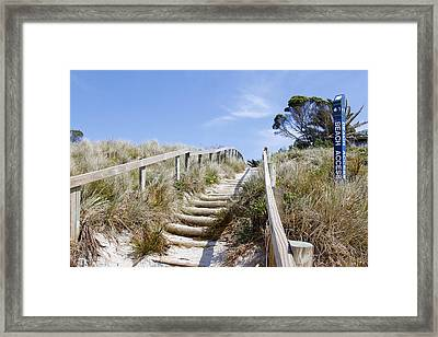 Walkway To Beach Framed Print by Les Cunliffe