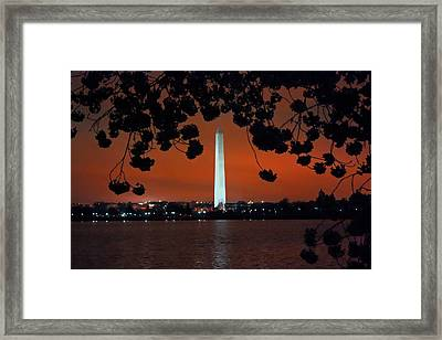 Framed Print featuring the photograph Washington Monument by Suzanne Stout